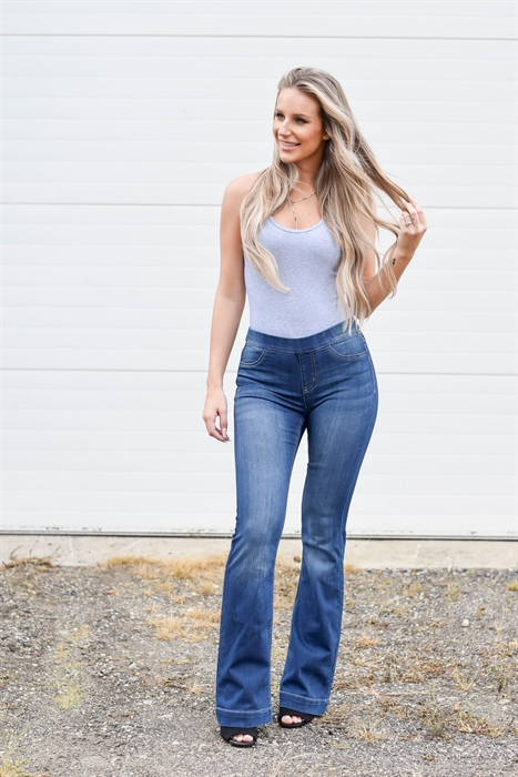 Picture of Amora Flared Jeggings